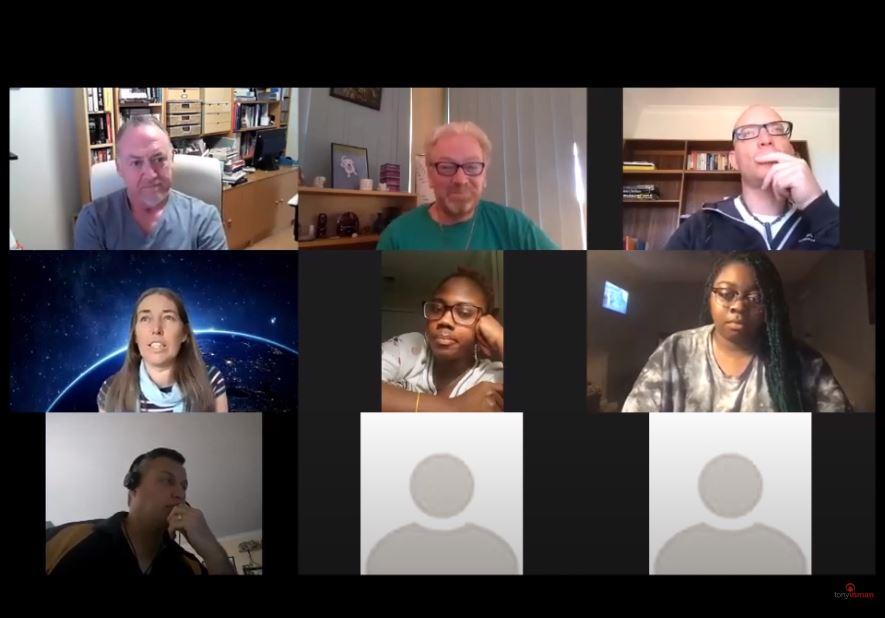 Tony_facilitates_online_meetings